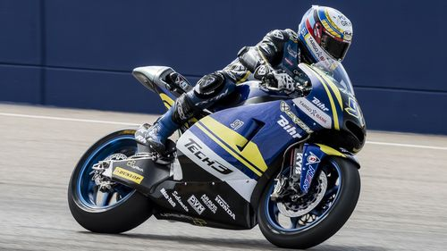 vierge-battles-tirelessly-in-front-of-home-fans-at-aragon-gp